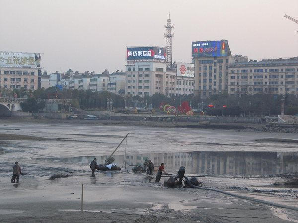 鷹潭市東湖清淤工程
