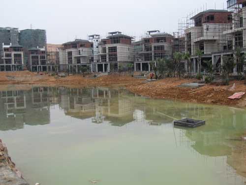 惠州保利山水城中心湖湖底清淤工程